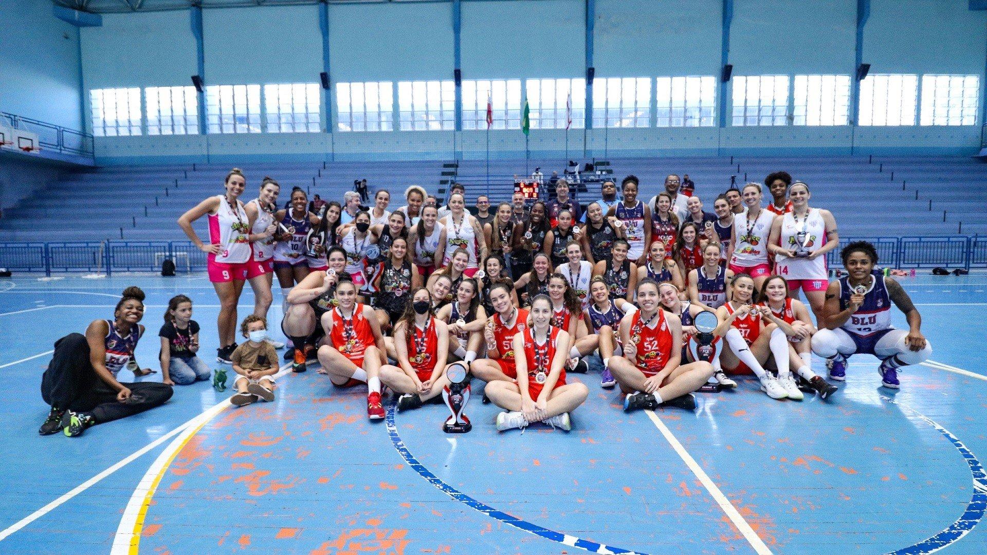 Com 60 atletas, Taça FCB Adulto Feminina foi a última competição da categoria antes do Estadual (foto: Victor Guião / Virtus)